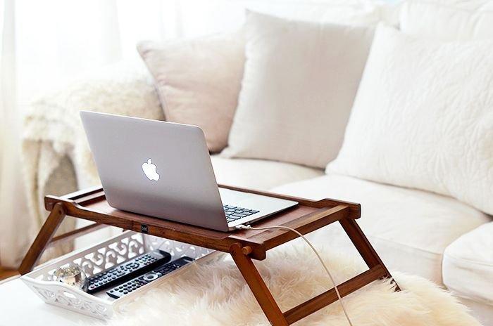 masă laptop din lemn
