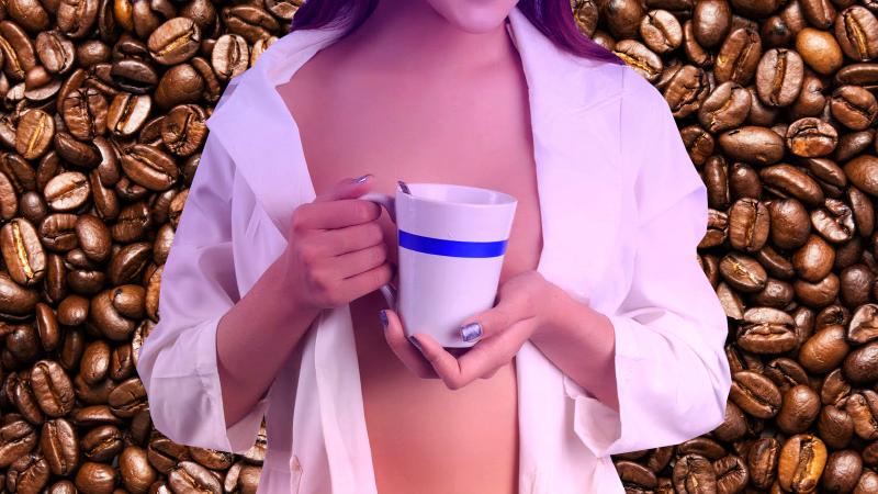 Cafeaua micșorează sânii? Mit sau realitate? Află ce spun studiile!
