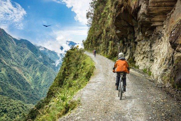 Cele mai periculoase drumuri din lume care iti taie respiratia