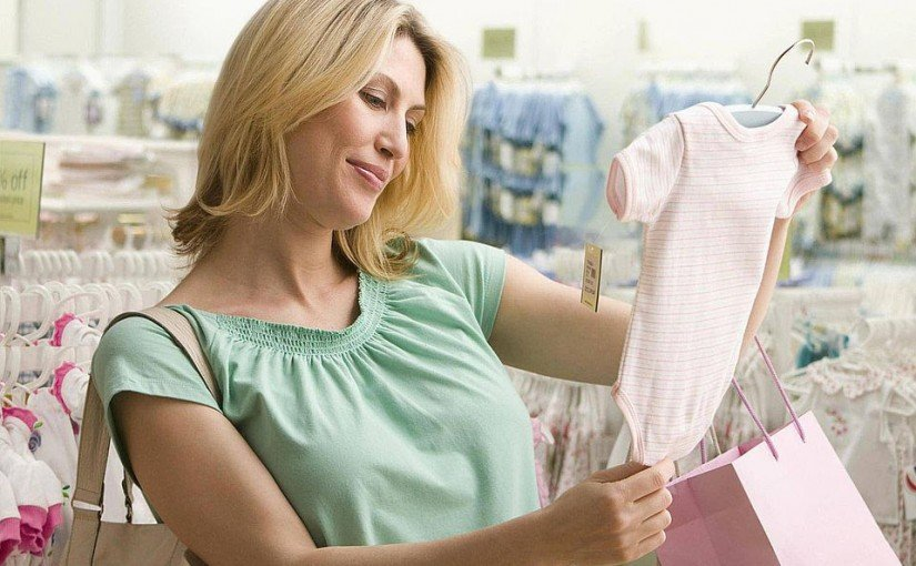 Ce trebuie sa iei in cosiderare cand cumperi haine bebelusi