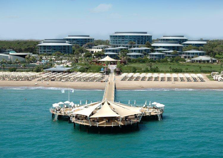 4. Calista Luxury Resort